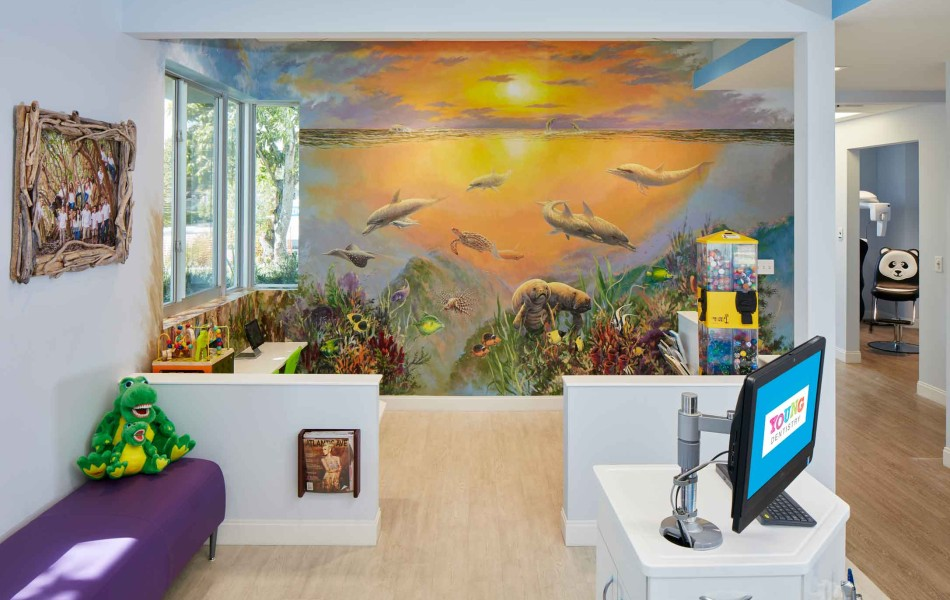 BEST SPECIALTY - Young Dentistry - Hall Mural