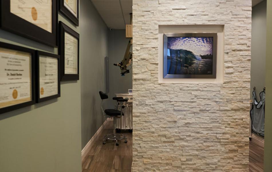 BEST CONSTRUCTION - Dr. Boehne -  Hallway