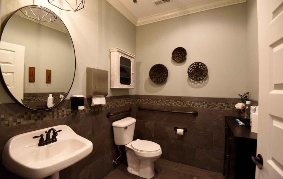 MMS Endondontic Specialists - Bathroom